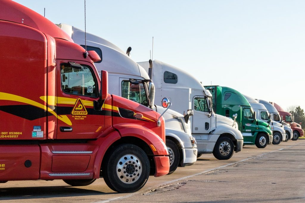 Road Transport Services: Know the Difference Between LTL & FTL 2
